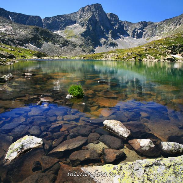 Озеро в верховьях реки Крепкой - Катунский хребет