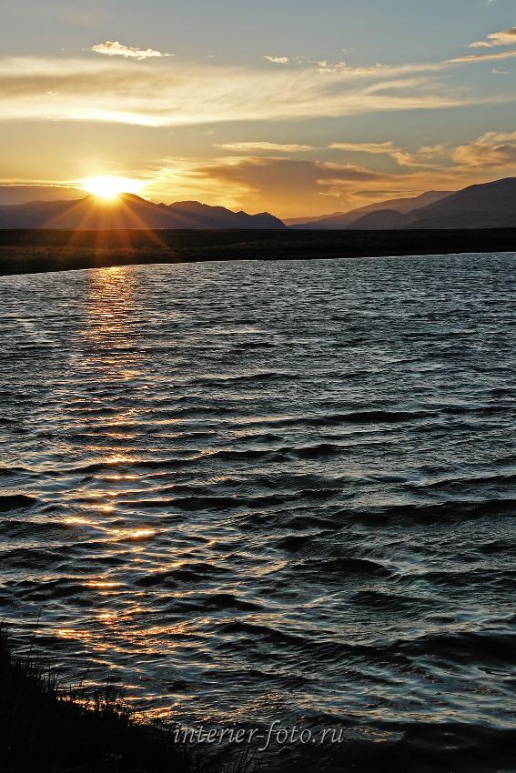 Закат на озере в Чуйской степи