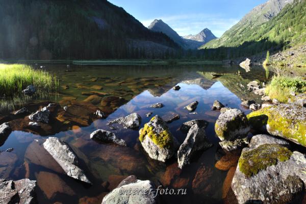 Нижнее озеро в долине реки Крепкой