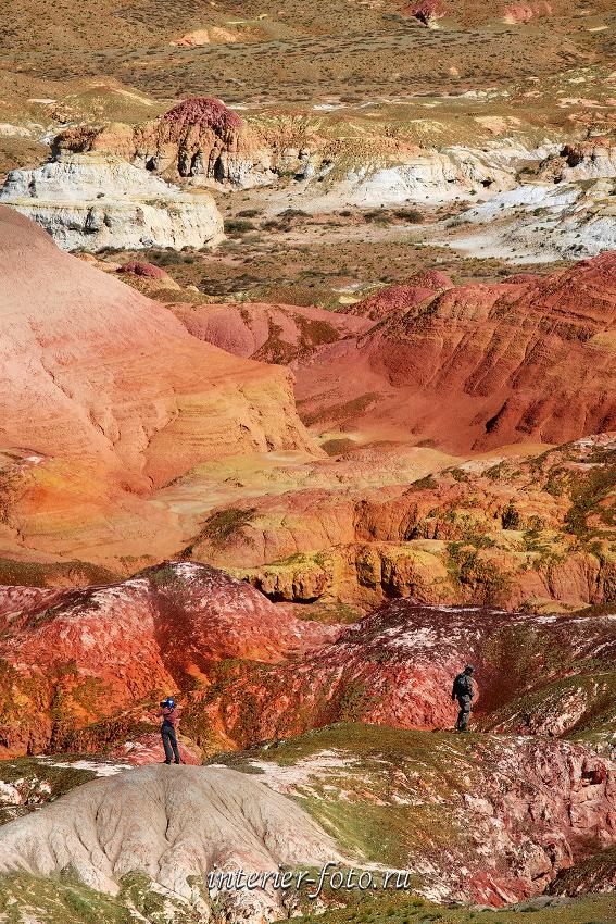 Разноцветие Киин-Кериша в Восточном Казахстане