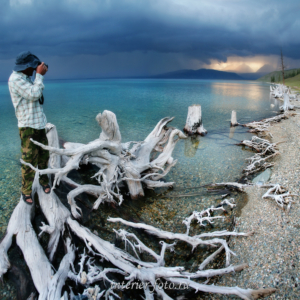 Гроза на озере Хубсугул в Монголии