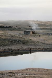 Зимовье на плато Укок ранним утром
