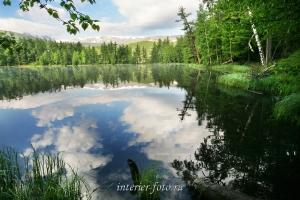 Начинается новый день на озере Ару-Кем
