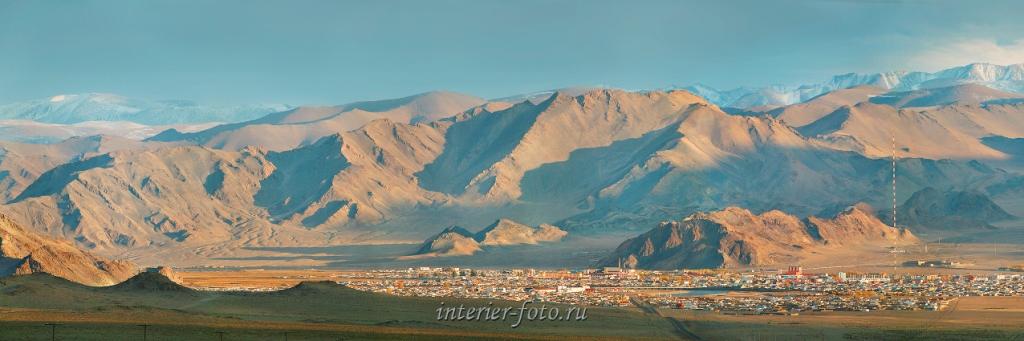 Панорама Баян-Улгия - столицы Баян-Улгийского аймака