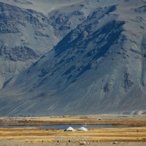 Юрты в долине Цаган-Гола - Монголия