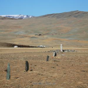 Каменное изваяние в долине Могойт - Западная Монголия