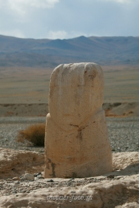 Каменное изваяние в Монгольском Алтае