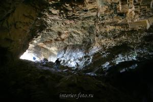 В пещере Хойд Цэнхэрийн агуй