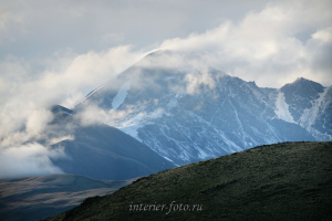 Цаган-Шибэту в облаках