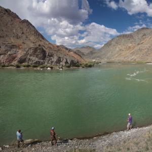Рыбалка на реке Ховд в Монголии