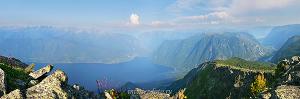 Телецкое озеро с горы Алтан-Туу