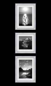 Вертикальная композиция - 3 квадратных фотографии на стене
