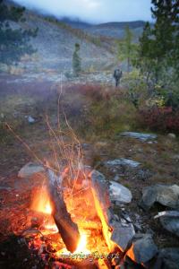 Вечер на берегу озера - Саяны