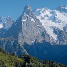 Вершины Токмак и Псыш