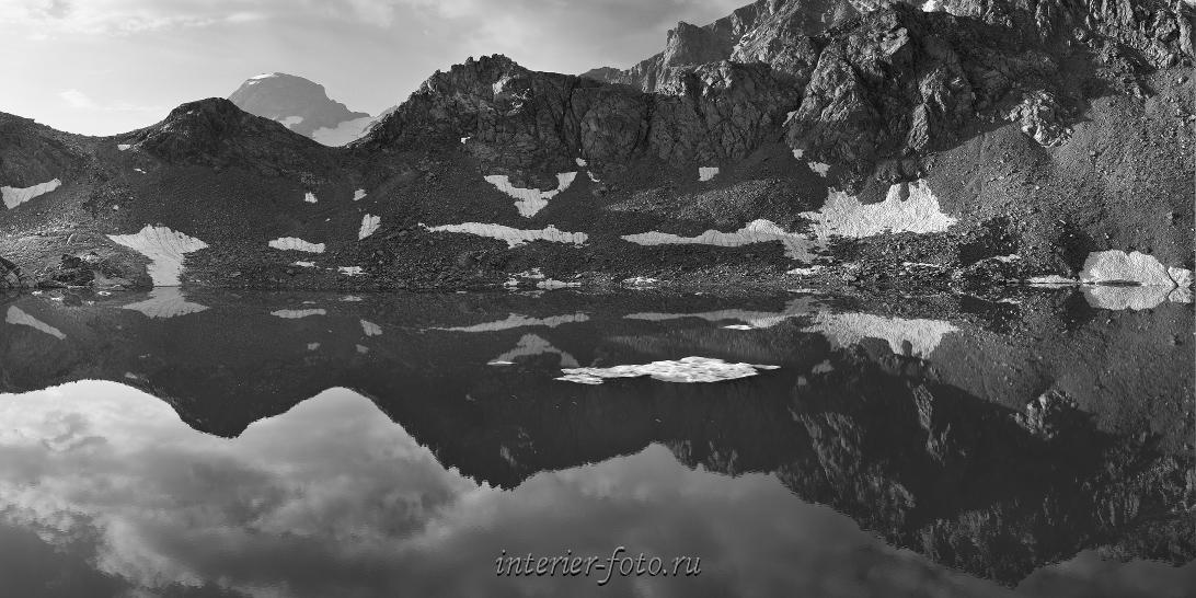 чб фото Утро на Софийских озерах