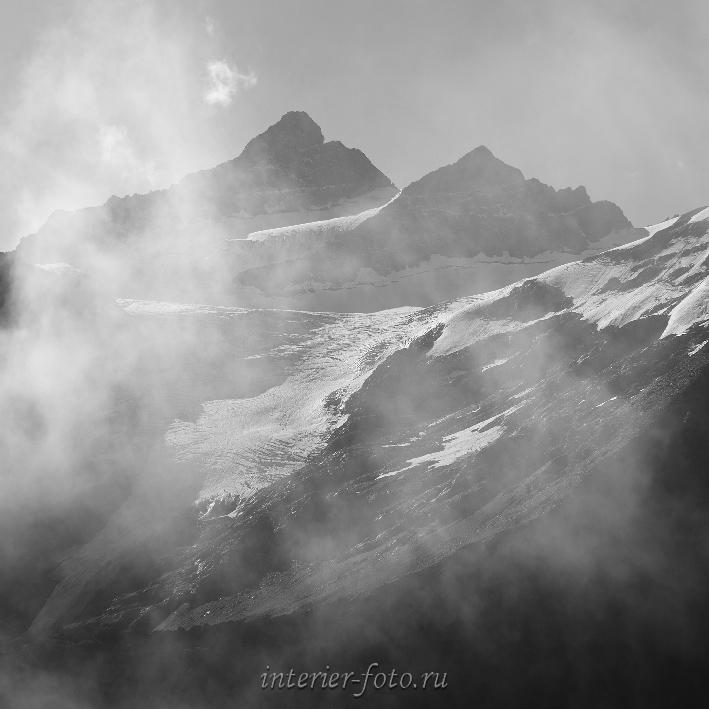 Когутай в облаках Приэльбрусье