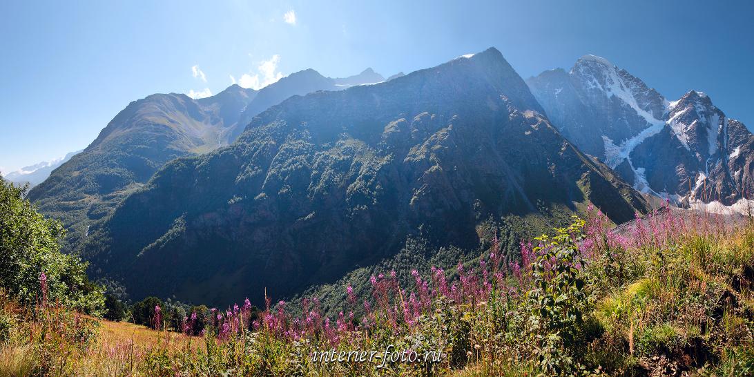 Вид со склонов Чегета Приэльбрусье