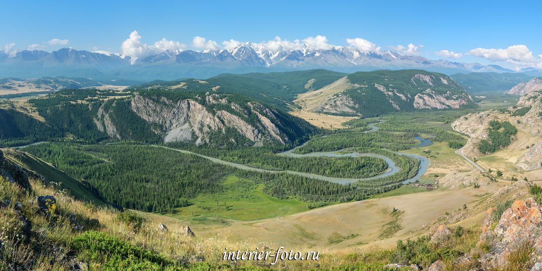 Над долиной река Чуя в Горном Алтае