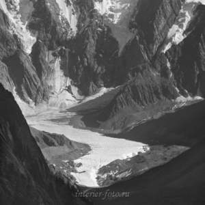 Черно-белое фото Маашейский ледник