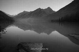 чёрно-белые фотографии для интерьера Сумерки на Кучерлинском озере