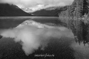 Черно-белое фото Утро на Нижнем Мультинском озере