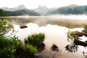 Пейзаж в интерьере Озеро Светлое в Ергаках