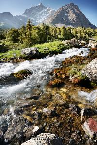 Пейзаж Река Чапдара в Фанских горах