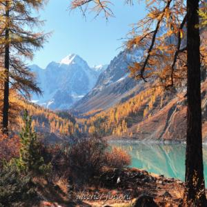 Фото квадратного формата Шавлинское озеро осенью