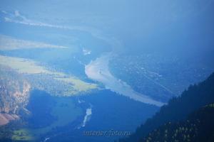Вид на Чулышман и Балыкчу с горы Алтын-Туу