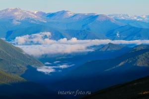 Облака над долиной Катуни с перевала Ачик