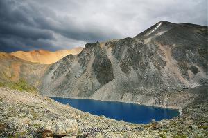 Озеро под горой Верховье Ортолыка
