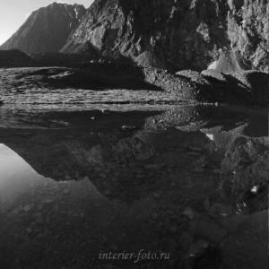 Черно-белый пейзаж Озеро Тура-Оюк