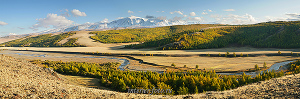 Гора Монгун-Тайга из долины Каргы в Туве