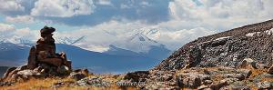 Табын-Богдо-Ола с вершины рядом с перевалом Теплый ключ