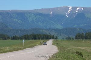 Гора Камза с дороги