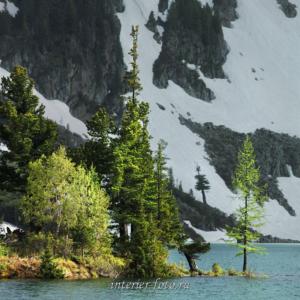 На Нижнем озере под горой Красной