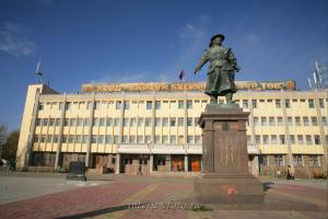Памятник основателю Ховда - Галдан Бошокту-хану - Ховд