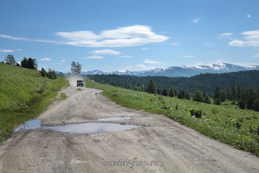 Дорога к горе Красной после Кайтанакского перевала
