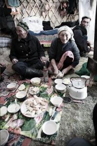 В юрте монгольских казахов