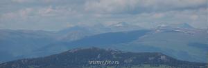 Гора Уч-Энмек на Теректинском хребте - вид с Красной