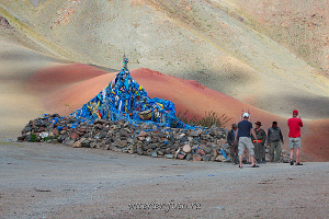 Оваа на перевале в Монголии