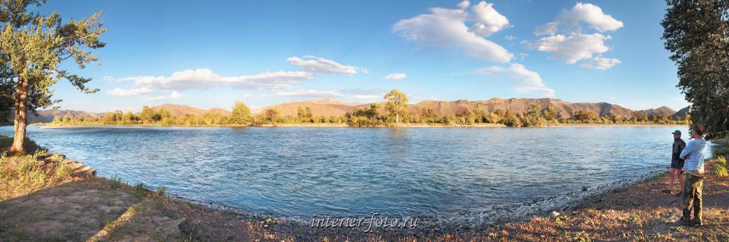 На реке Ховд ниже Улгия. Монголия