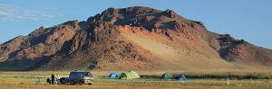 Лагерь экспедиции на Толбо