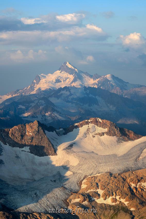 Гора Штавлери со склонов Эльбруса