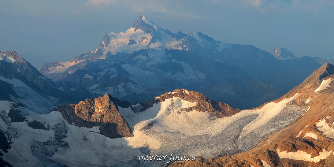 Панорама Гора Штавлери со склонов Эльбруса