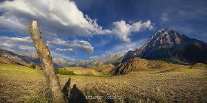 Каменное изваяние в долине реки Аргут