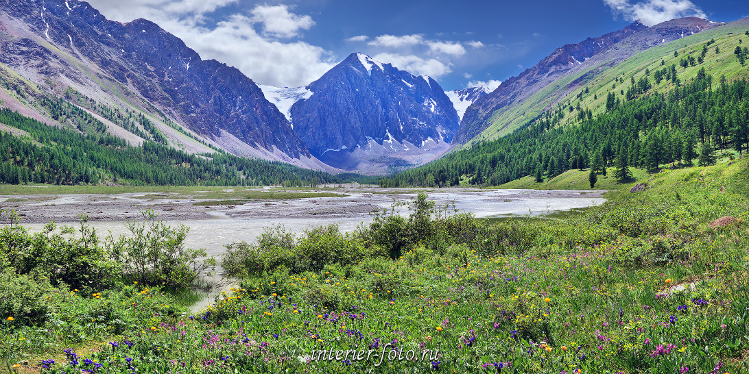 Панорама долины Актру