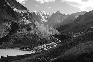 Черно-белое фото Каракабак