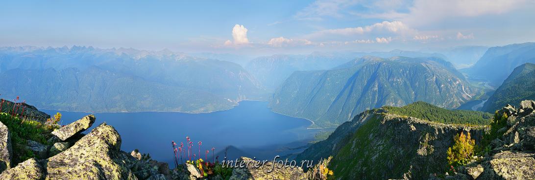 Горное озеро Телецкое сверху