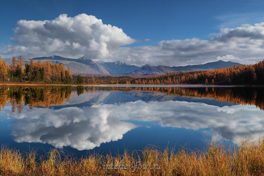 Отражение гор Озеро